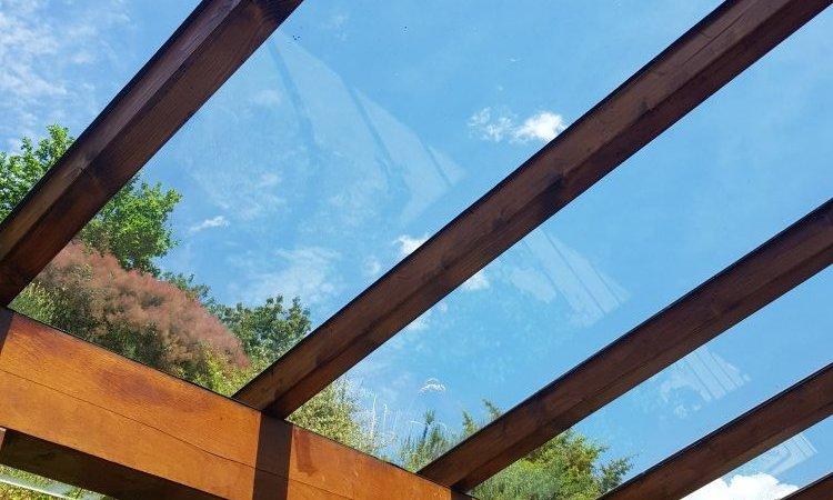 Rénovation d'une pergola en bois et vitrée sur mesure à St Alban Leysse près de Chambéry