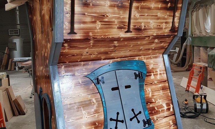 cabane tour de donjon pour Elliott le chevalier à Aix les Bains (Savoie – 73)